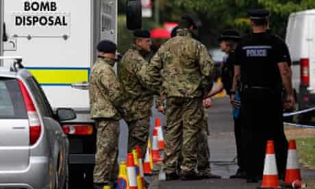 Bomb disposal officers in Claygate