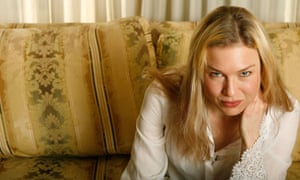 """Actress Renee Zellweger poses for a portrait while promoting the new film """"Miss Potter"""" in New York"""