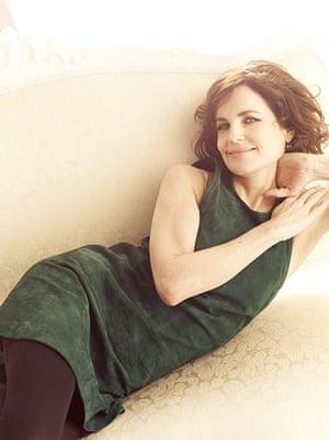 Elizabeth McGovern: Green suede dress