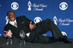 michael clarke duncan: Michael Clarke Duncan his People's Choice Awards for Green Mile in 2001