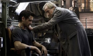 Colin Farrell and Bill Nighy in Total Recall