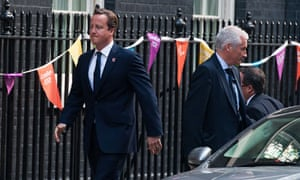David Cameron arrives at no 10 for reshuffle
