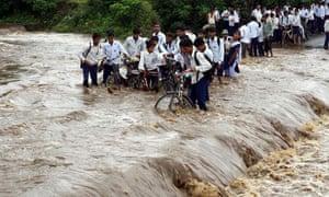 heavy rains in Jhabua
