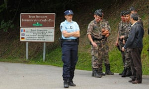 Alps shooting: police guard scene