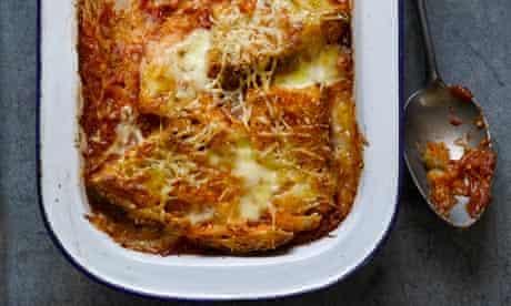 Bread and tomato gratin