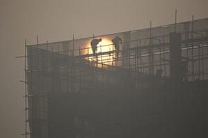 Air Pollution in China: China Issues Yellow Fog Alert