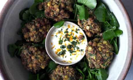 Spiced chickpea balls