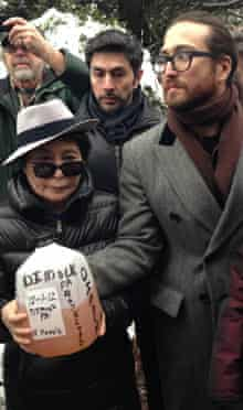 Yoko Ono and Sean Lennon with allegedly fracking-impacted water