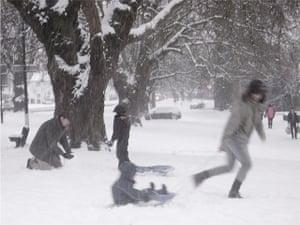 readers snow pix: modern day Brueghel