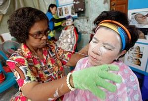 24 hours: Bangkok, Thailand: Thai women have facial hair removal