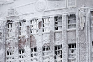 us cold snap: chicago ice