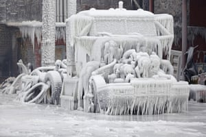 us cold snap: chicago truck