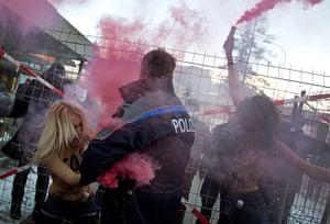 Femen: Swiss police try to arrest activists of the Women's Movement FEMEN