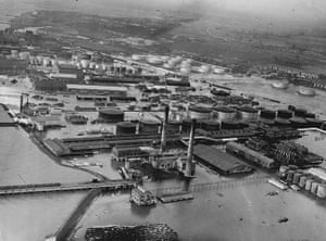 Floods 1953: Oil Wells At Greenhithe.
