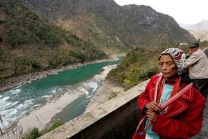 Yunnan Nujiang river: China - Lisu Ethnic Minority -  Salween (Nujiang) River