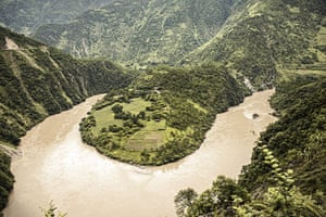 Yunnan Nujiang river: In pictures: The faces and scenes of China's NuJiang Valley