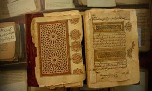 Mali - Travel - Tradition - Manuscripts of the Desert