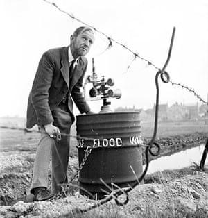 Floods 1953: Flood Warning