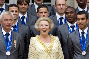 Queen Beatrix: The Netherlands' World Cup team poses with Queen Beatrix