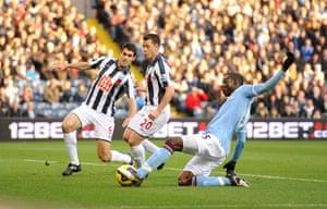 bad boy balotelli: Mario Balotelli scores