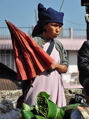 Meghalaya: In Cherrapunjee, the garment of choice for women is a gingham apron.