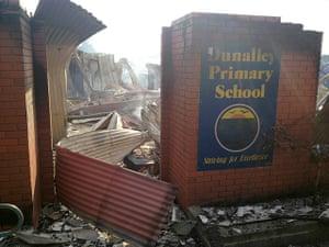 Bushfires: School destroyed by a bush fire