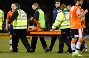 luton v wolves: Luton's JJ O'Donnell gives a thumbs up