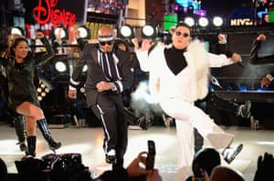 Week in Music: MC Hammer and Psy perform at Dick Clark's New Year's Rockin' Eve