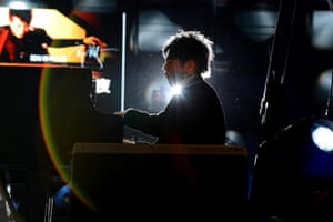 Week in Music: Pianist Lang Lang gives a performance in China