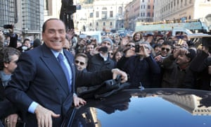 Leader of People of Freedom (PdL) party, Silvio Berlusconi, greets supporters in Venice Square, Rome, 05 January 2013 after an interview with the Italian newspaper Corriere della Sera. Elections in Italy are scheduled on 24-25 February 2013.