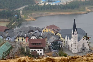 Copycat architecture: Hallstatt, China's copy of the Austrian town of the same name