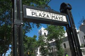 World subways: Metro station at Plaza de Mayo, Buenos Aires