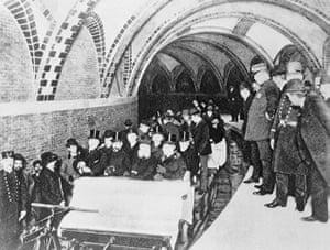World subways: First Passengers Riding in Subway, New York