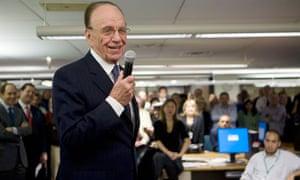 Rupert Murdoch in Wall Street Journal newsroom, 2007