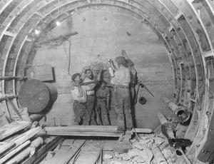 Tube through the decades: Tunnel Builders, circa 1912