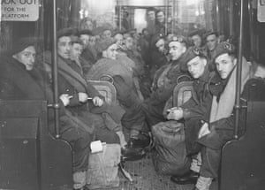 Tube through the decades: Soldiers returning home on tube after D-day 1945