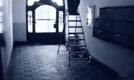 A Berlin mietskaserne in David Bowie's music video for Where Are We Now?