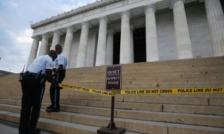 Lincoln memorial sealed off