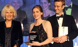 Eleanor Catton receiving the Booker prize