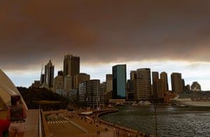 Australia fires: Smoke and ash from wildfires burning across the state of New South Wales bl