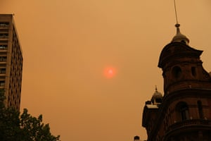 Australia fires: The sun appears bright red above Sydney