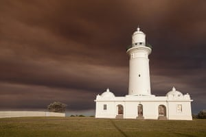 Australia fires: A blanket of smoke descends on Christison Park by the Macquarie Lighthouse