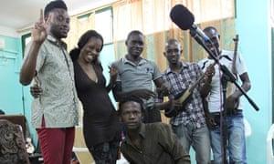 Olugbenga with Diamantou Sacko and band