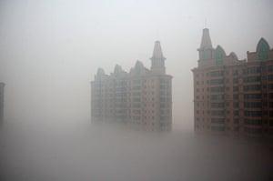 China smog: Smog shrouds buildings