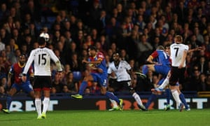Fulham's Steve Sidwell shoots to score his team's second goal against Crystal Palace