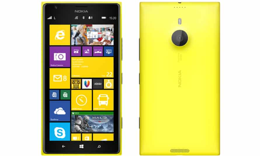 Nokia Lumia 1520 phablet stretches Windows Phone 8 to a 6in screen with more real estate for watching movies and Office duties.