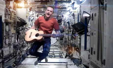 Chris Hadfield sings David Bowie's Space Oddity on the International Space Station