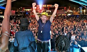 Damon Albran on stage with Africa Express