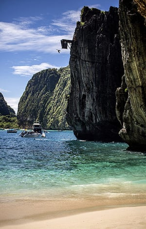 Red Bull Cliff Diving: Mat Cowen dives at Maya Bay