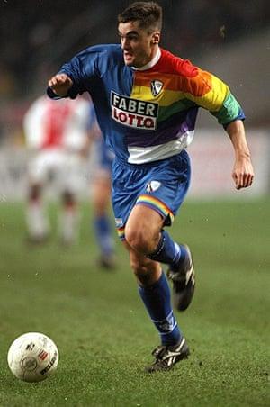 kits: Thomas Reis of VfL Bochum